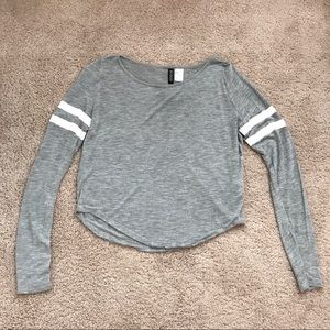 H&M Gray Long Sleeve Cropped Shirt